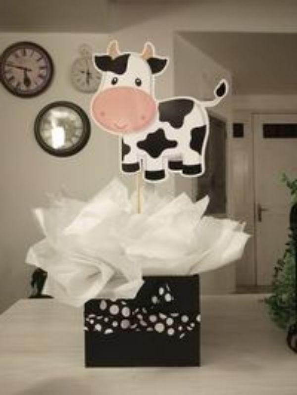 centros de mesa de la vaca lola con tela