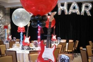 3 increíbles centros de mesa con guitarras para fiestas
